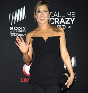 Jennifer Aniston on Wedding Dress Shopping: 'I Like to Be Spontaneous'