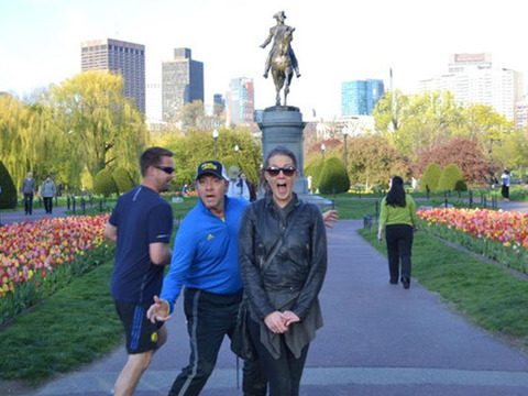 Pic! The Kevin Spacey Photobomb