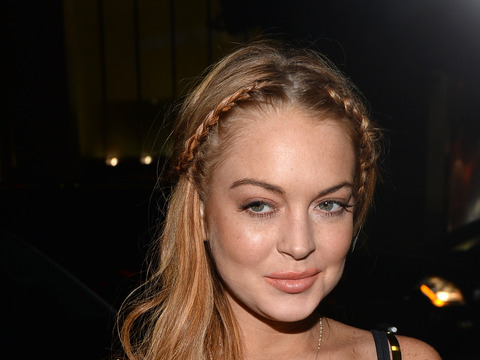 Lindsay Lohan Threatens to Leave Rehab
