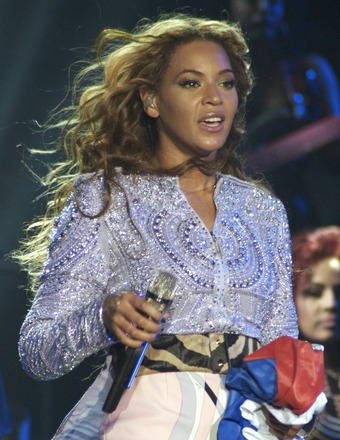 Beyoncé Cancels Show, Cites Dehydration and Exhaustion