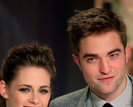 Report: Kristen Stewart and Robert Pattinson Split