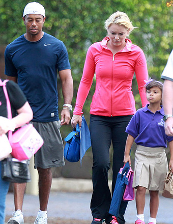 Report: Elin Nordegren 'Furious' Over Tiger and Lindsey's Family Photos