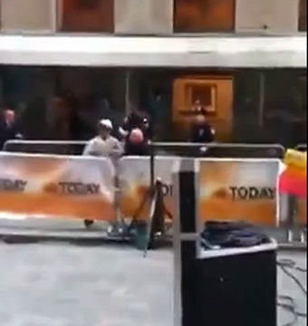 'Today' Show Terror: Man Slashes Wrists on the Plaza (Video)