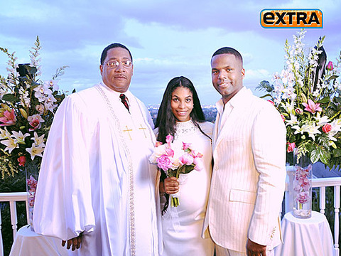 'Extra' Correspondent AJ Calloway and Dionne Walker Tie the Knot