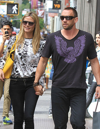 Pic! Heidi Klum and BF Look Cozy After Rumored Argument