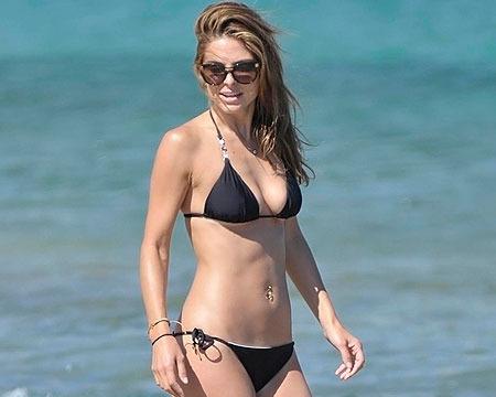 Maria Menounos Rocks a Bikini in Greece!