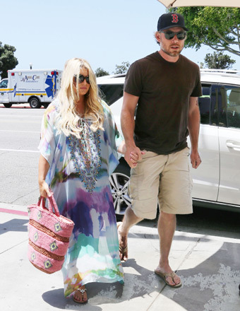 Pic! Jessica Simpson Shows Off Baby Bump in Flowing Summer Dress