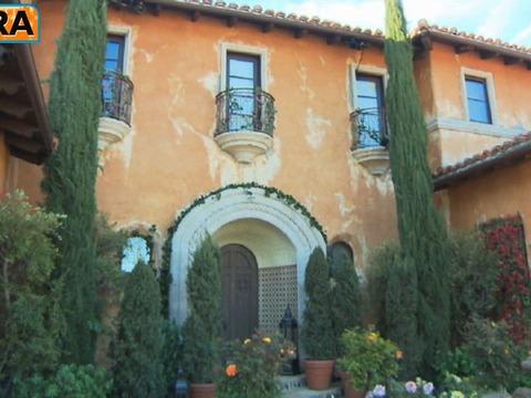 Star Real Estate: Inside the 'Bachelorette' Mansion