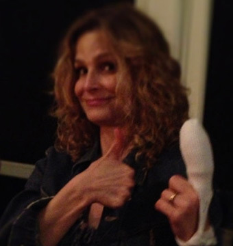Kyra Sedgwick Chops Off Fingertip in Kitchen Accident