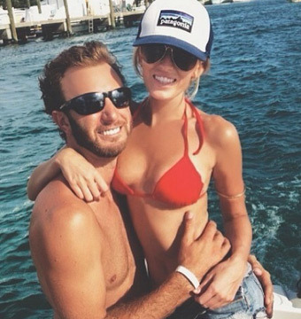 Paulina Gretzky in Crazy-Hot Bikini Video