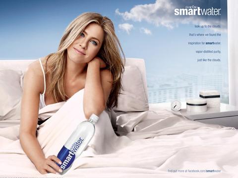 Pic! Jennifer Aniston's Hot New smartwater Ad