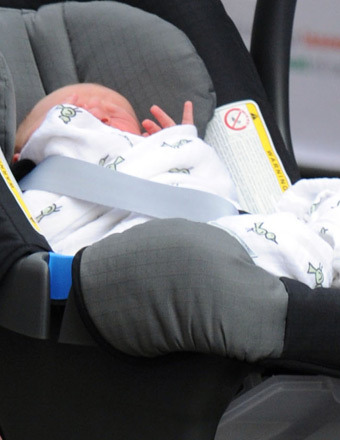Royal-Baby-Swaddle-2
