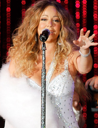 Mariah Carey Still Recovering from 'Severe' Injury, Can't Move Arm
