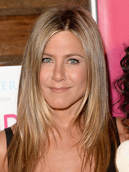 Jennifer Aniston Jokes She S In A Wedding Race With