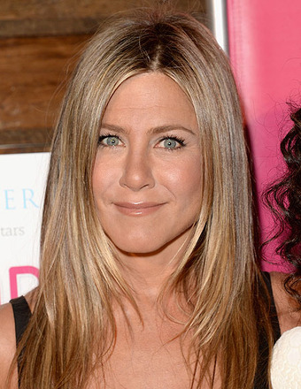 Jennifer Aniston Jokes She's in a Wedding 'Race' with Jason Sudeikis