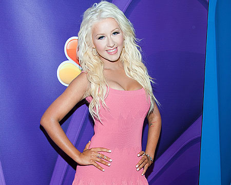Pic! Christina Aguilera Looks Pretty Slim in Pink