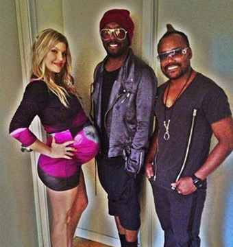 Pic! Fergie Rocks Maternity Style