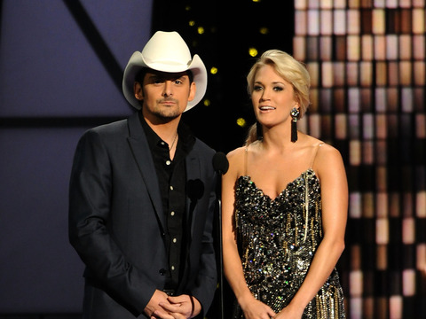 Carrie Underwood and Brad Paisley to Host CMAs for Sixth Time