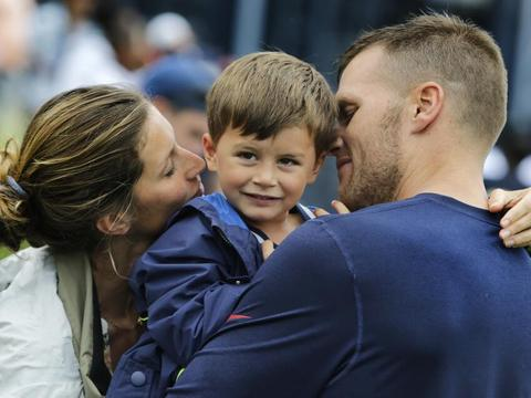 Family Pic! Gisele Bundchen and Son Visit Dad Tom Brady
