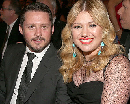 Kelly Clarkson on Elopement: 'No, I Am Not Pregnant'