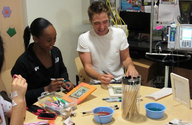 Pics! Robert Pattinson Gets Crafty with Kids at Children's Hospital