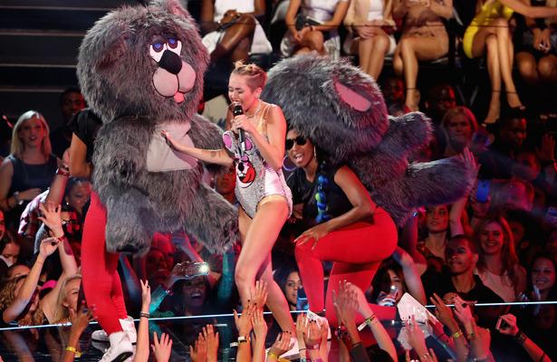 MileyCyrus-TeddyBears