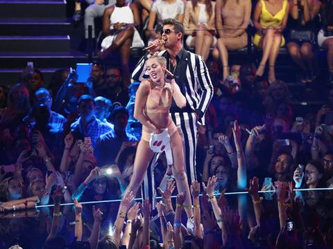 MTV VMAs: Hollywood in Shock Over Miley Cyrus' Teddy Bear Twerk-Fest