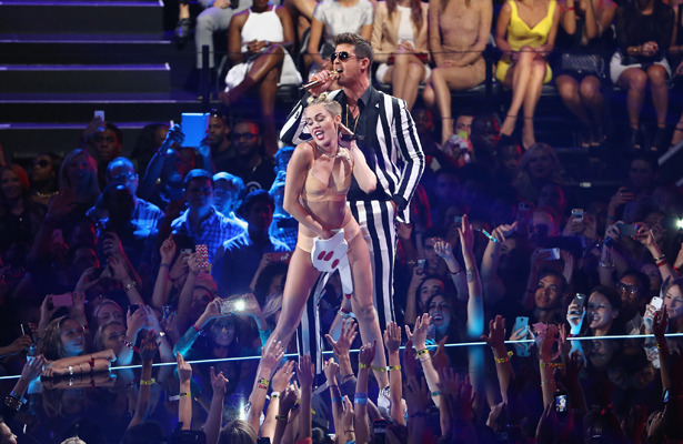 MTV VMAs: Hollywood in Shock Over Miley Cyrus' Teddy Bea