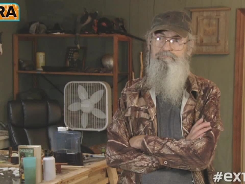 'Duck Dynasty' Star Uncle Si Takes Our Pop Culture Quiz!