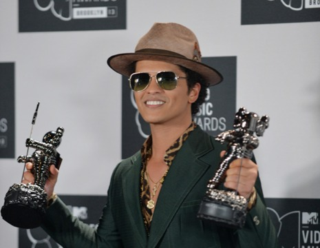 Bruno Mars to Perform at Super Bowl XLVIII: Fans React