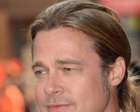 'Extra' at TIFF 2013: Brad Pitt, Sandra Bullock and Others!