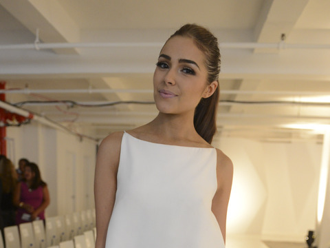 'Extra' at NY Fashion Week with Olivia Culpo