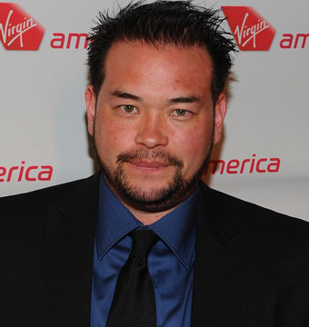 Extra Scoop: Jon Gosselin Waiting Tables, Living in Cabin