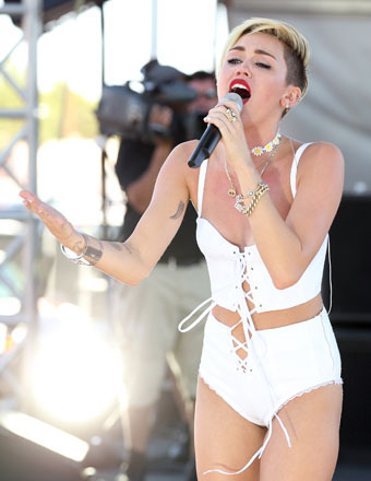 Miley Cyrus: The Secret Breakdown, Leaving Liam