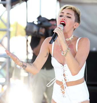 Miley Cyrus: The Secret Breakdown, Leaving Liam