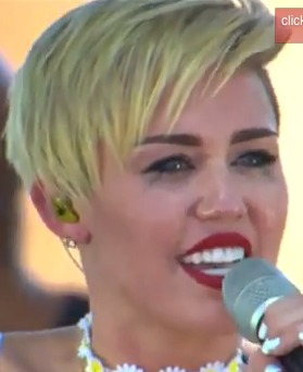 Miley Cyrus Twerks, Breaks Down in Tears at iHeart Radio Music Festival