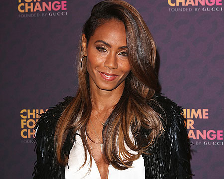 Extra Scoop: Jada Pinkett Smith Posts About Addiction on Facebook