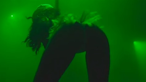 Gossip Girl: Rihanna Raunchier Than Ever in 'Pour It Up' Music Vid