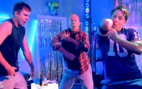 'SNL' Recap: Bruce Willis Leads 'Boy Dance Party,' Katy Perry 'Walks on Air'