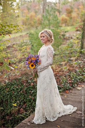 Kelly clarkson marries brandon blackstock see her wedding for Trisha yearwood wedding dress