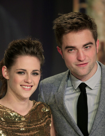 Are Robert Pattinson and Kristen Stewart Still Hooking Up?