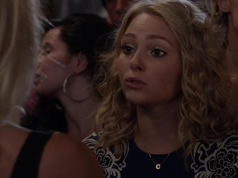 Go Behind the Scenes of 'Sex and the City' Prequel, 'The Carrie Diaries'