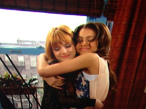 Disney Star Bella Thorne Says Bye to 'Shake It Up'