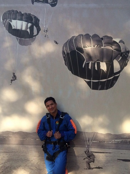 Mario Lopez Jumps Out of Plane… See the Freefall!