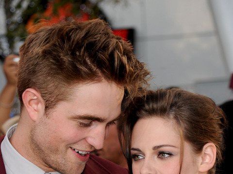 Kristen Stewart and Robert Pattinson… Getting Married?!