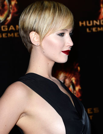 Wowza! Jennifer Lawrence Flashes Side Boob in Gothic Glam