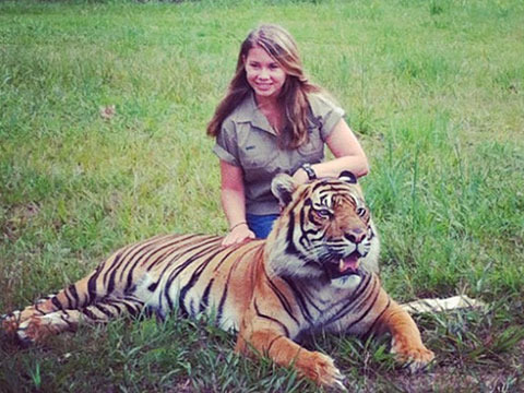 See Bindi Irwin at 15! Life's a Zoo for Crocodile Hunter's Daughter