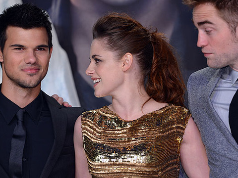 Kristen Stewart and Taylor Lautner Have a Sleepover! A Love Triangle in the Making?