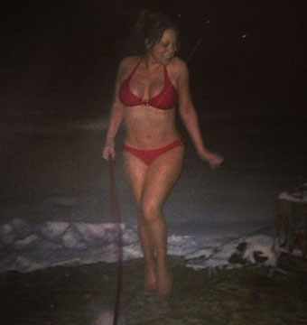 Pics! Mariah Carey Shows Off Her Bikini Body on Instagram