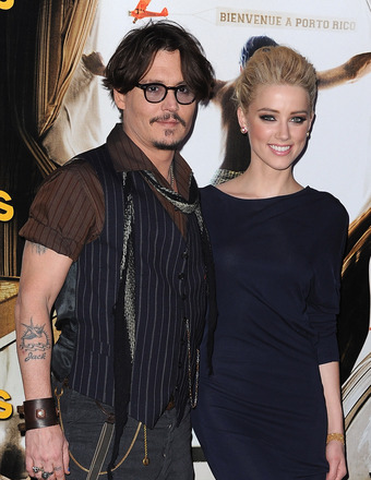 Johnny Depp Buys $50K Christmas Gift for GF Amber Heard!